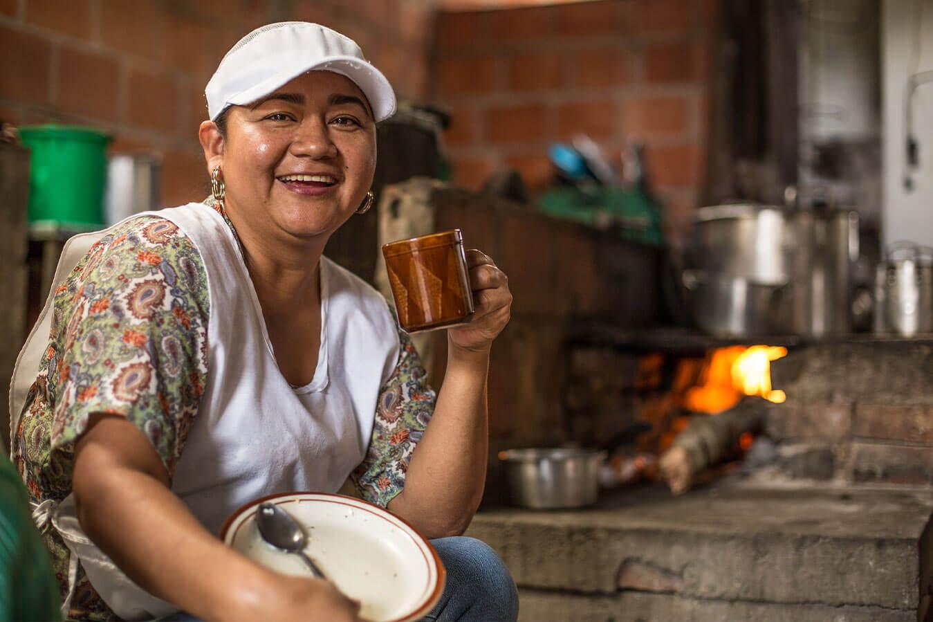 Mujer sonriente. Inversiones estratégicas